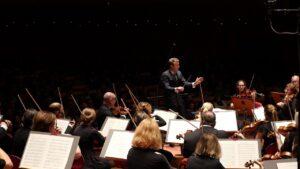 Daniel Harding dirigerar Dvorak: Othello, ouverture